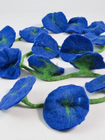 bloemen slinger blauw