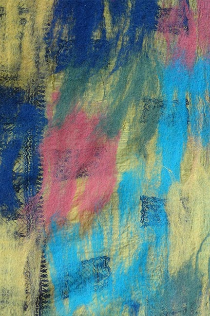vilt op zijde blauw-roze-groen