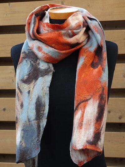 Vilt op zijde sjaal brique