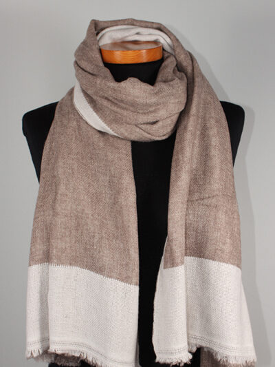 Dubbel geweven sjaal beige